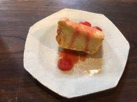 6月ケーキ シフォンイチゴソース